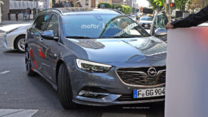 2017-opel-insignia-sports-tourer-spy-photo14